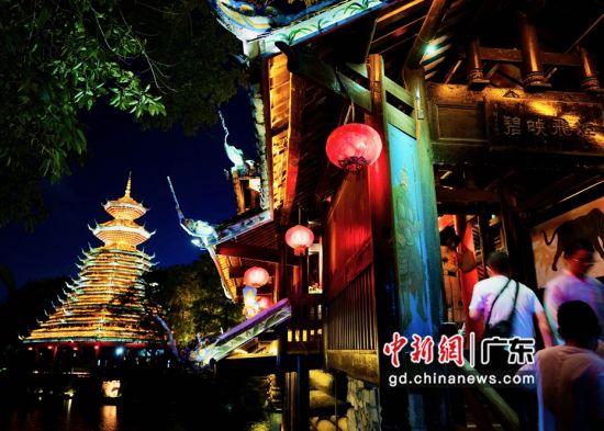 深圳锦绣中华民俗文化村推出夜游模式体验