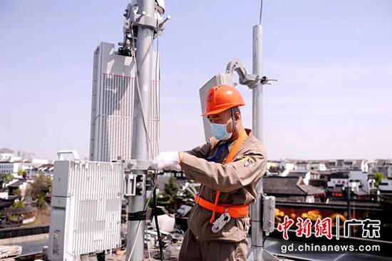 中国电信5G基站建设中 天翼物联供图